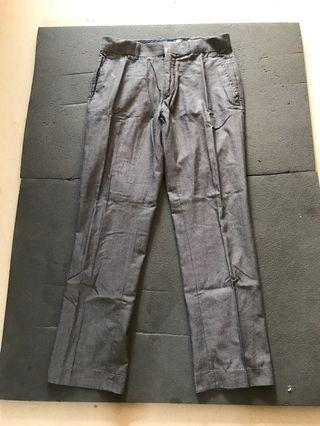 50cents H&M work pants for him size 32 (good condition)