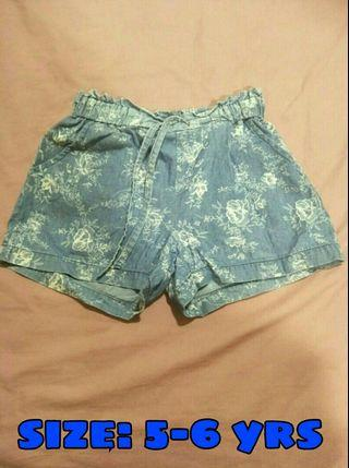 🆓📦Short Pants for girls (tiny buttons)
