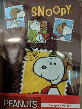 BNIB Peanuts Snoopy Passpor Holder