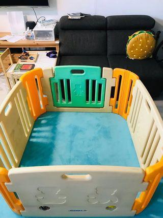 Baby Play yard/ playpen (haenim)