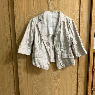 米色西裝短版外套 可收腰 二手