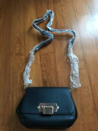 🚚 Aldo black sling bag