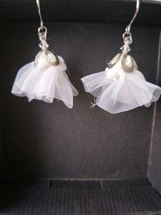 🚚 #MRTRaffles Organza lace handmade Earrings