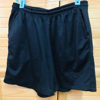 Reebok休閒彈性短褲