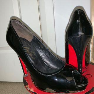 Red bottom peep toe