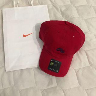 #免運 nike 深藍色小刺繡logo紅色棒球帽