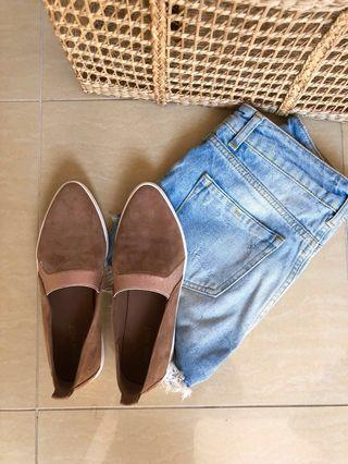 NEGOTIABLE PRICE Tan Beige Slippers / Sneakers / Loafer / Flats