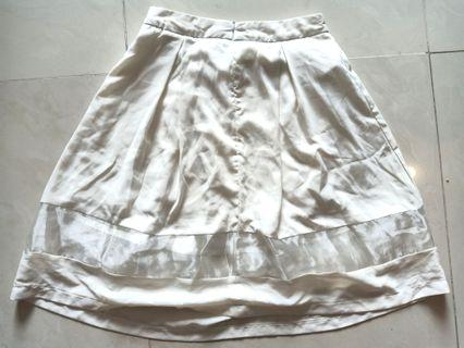 Kivee broken white cloak skirt