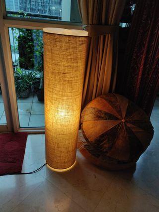 Lampu nice and warm. 1 meter high panjang