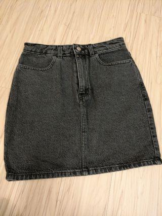 AA 黑牛仔短裙