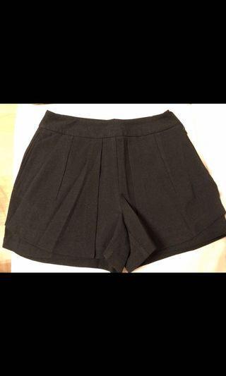 🈹價- Bread N Butter Shorts (size 1)