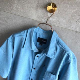🚚 Hurley 夏天涼材質襯衫 L
