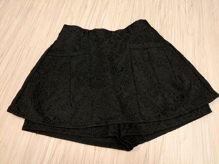 日牌黑色雕花短褲裙