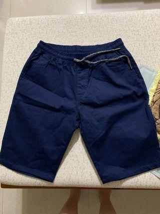 🚚 全新深藍短褲