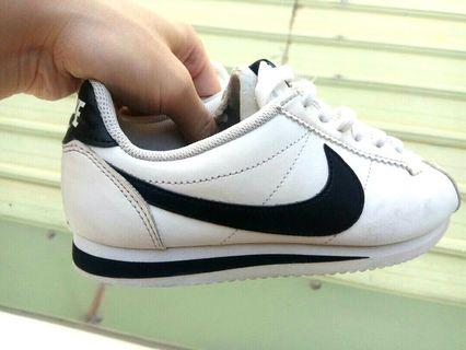 正品 Nike 耐吉 輕量 阿甘鞋 運動鞋 白色 白底黑勾