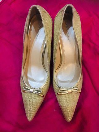Gold ladies heels