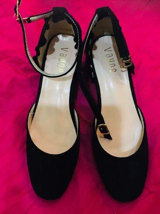 Used Shoes size 39 / 24.5