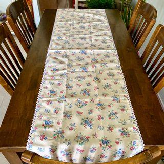 🚚 Free shipping original cath kidston large table runner