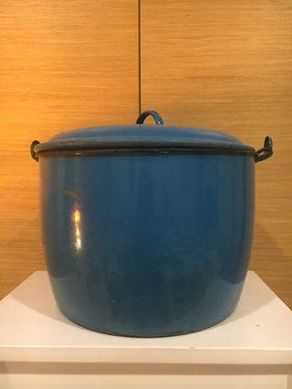 Vintage Cooking Pot