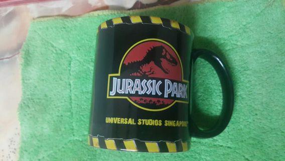 Cup jurassic park limited collection