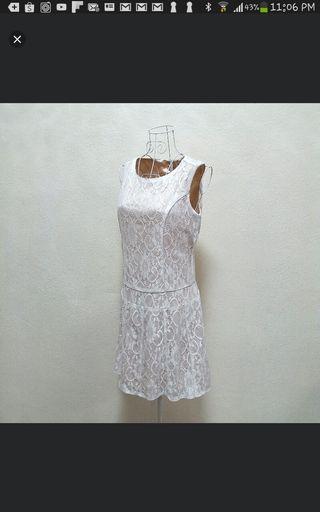 White lace dress (New)
