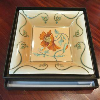 New Patek Philippe 2013 Fleurs de Pavots or Poppy Flowers large porcelain Dish by Limoges. Brand new and unused in original Patek Philippe box.