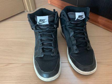 Nike 黑色波鞋