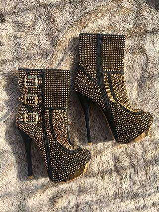 High heels/wedges boots