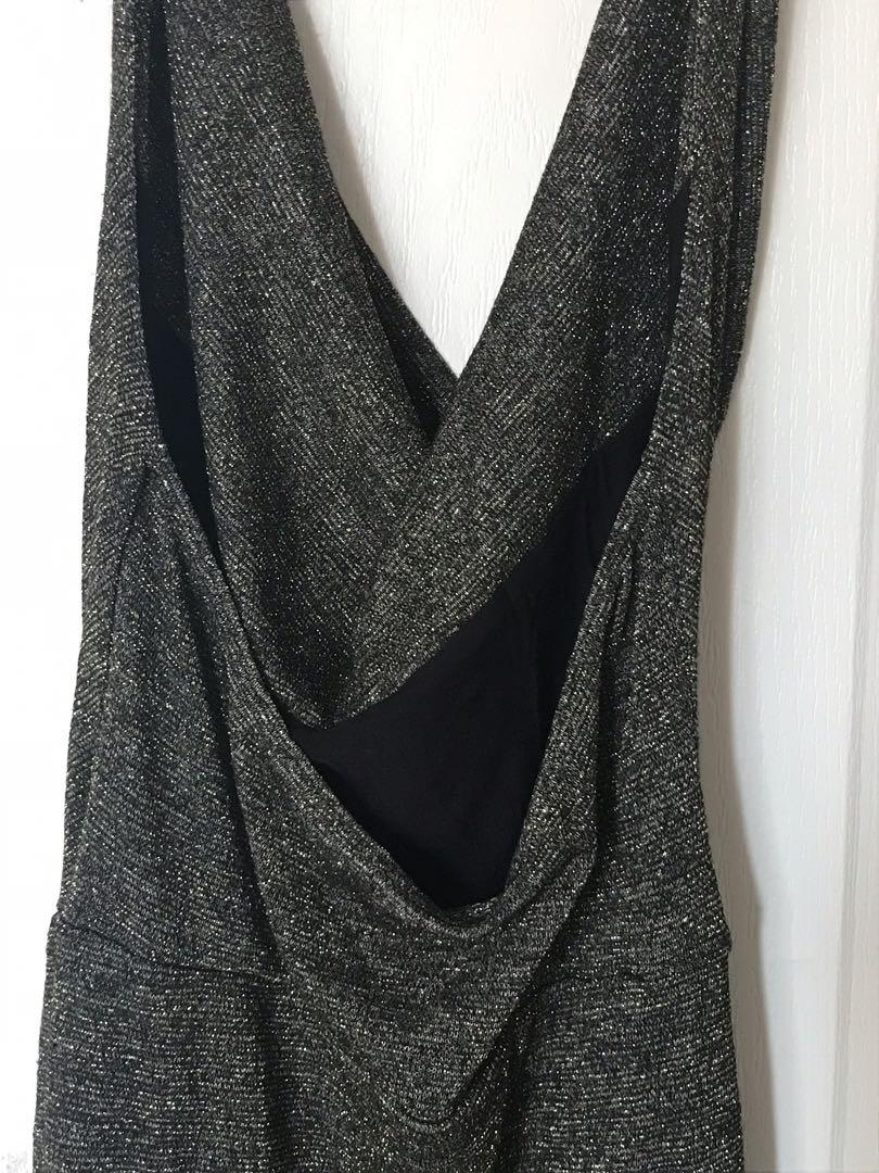 BLACK AND GOLD LAYER SCOOP NECKLINE DRESS/BACKLESS/ M