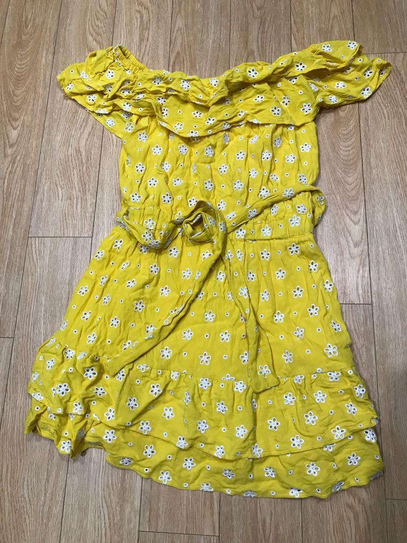Great condition yellow floral embroidered off shoulder dress size M