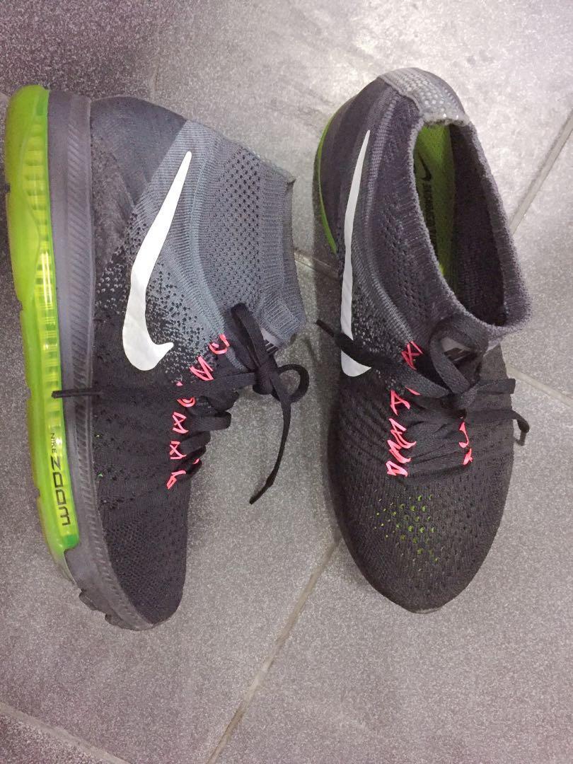 Nike 襪套運動鞋