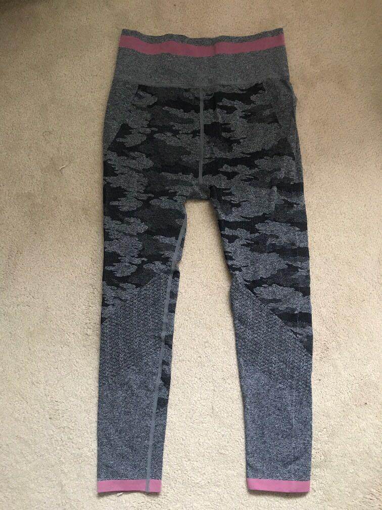 Seamless grey workout tights/ leggings