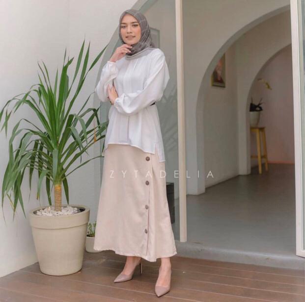 Skirt by Zytadelia