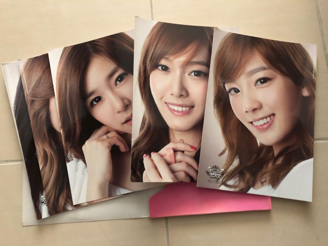 SNSD SMTown Live'10 Poster Set (set of 9 full members)