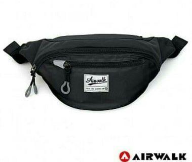 Airwalk側背包  一肩包  腰包