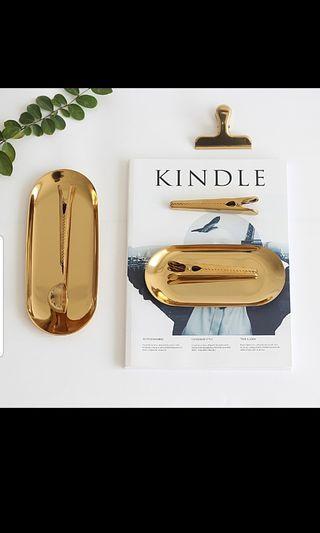 🚚 Nordic gold storage tray