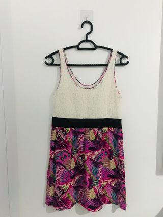 🚚 Preloved Ally Floral Dress