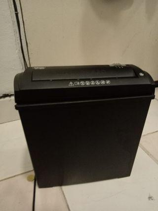 Paper shredder fellowes brand p20