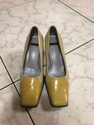 🚚 Capori 高跟鞋 23.5