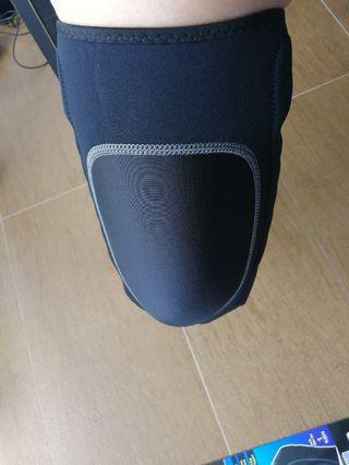 Knee spring compression sleeve (NEW)