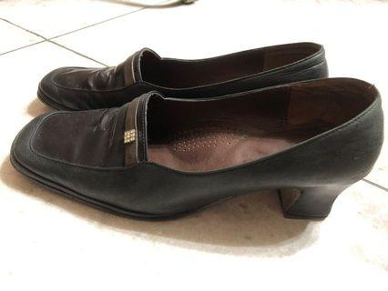 🚚 Tobu 皮鞋 跟鞋