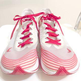 NIKE 頂級馬拉松慢跑鞋 特殊透明透氣材質 11.5號 (誠可議價)
