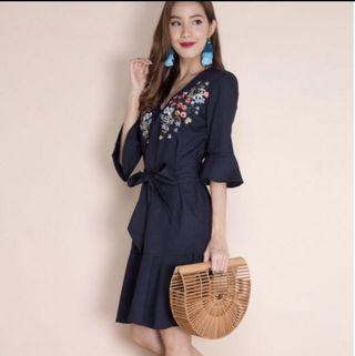 Bowed Boughs Embroidery Dress