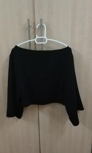Black Wide Sleeved Top