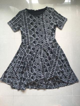 🚚 Grey Dress