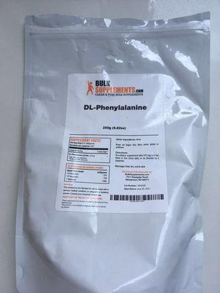 DL-Phenylalanine powder