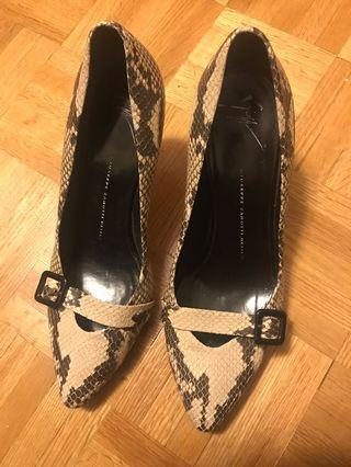 Giuseppe heels size 8.5
