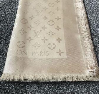 🚚 M71360/全新Louis Vuitton MONOGRAM 披肩 圍巾/沙色