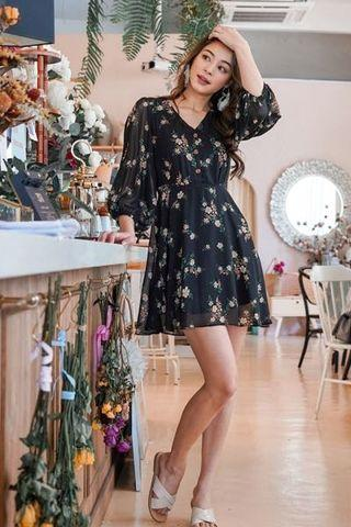 Lovet Tauvia Sleeved Floral Button Dress