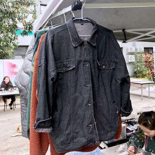 黑色牛仔外套